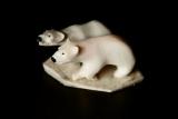 Eisbären aus Rentiergeweih